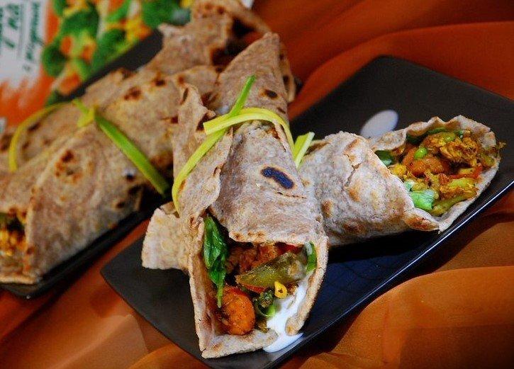 Przekaski Latwa Tortilla Pszenno Zytnia Z Warzywami Na Patelnie