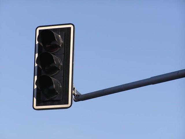 W poniedziałek (27 kwietnia) w godzinach porannych włączone zostaną sygnalizacje świetlne na 9 skrzyżowaniach