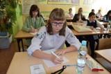 XVIII Dyktando Kaszubskie w Słupsku (5.10.2019). Blisko 200 uczestników zmierzyło się z kaszubską ortografią. Lista zwycięzców [zdjęcia]
