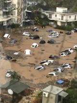 Grecja: Ulewne deszcze w Atenach. Liczne podtopienia. Woda porwała samochody [VIDEO] [ZDJĘCIA]