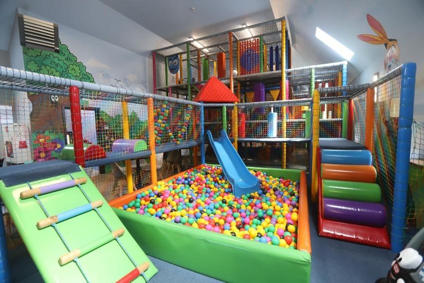 Otwarte zostają sale zabaw. Obowiązuje limit 1 osoby na 15...