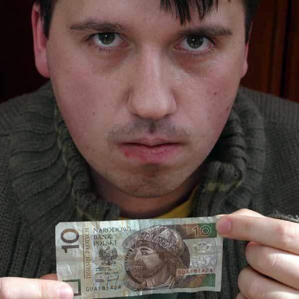 Konrad Kamiński spłacił wszystkie raty w terminie. Nie ma pojęcia, dlaczego zalega z kwotą 10 zł.