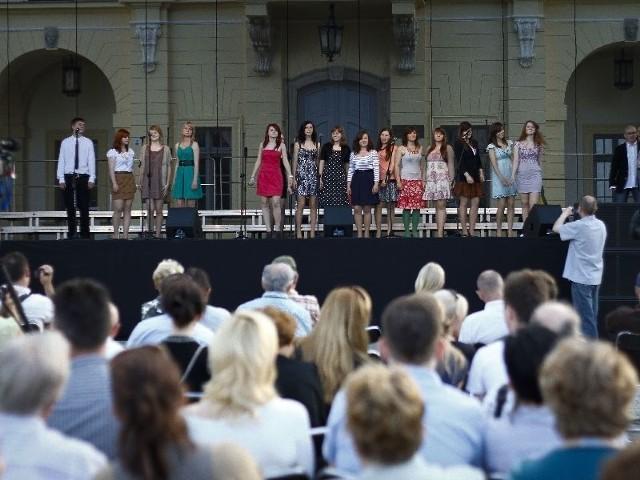 Sobotni koncert przed Pałacem Branickich