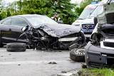 Poważny wypadek w Szubinie. DW 246 całkowicie zablokowana. Cztery osoby trafiły do szpitali [zdjęcia]