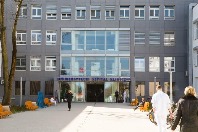 Dyrekcja szpitala uznała, że kolejnym niezwykle ważnym elementem, który pozwoli uszczelnić system, będzie edukacja pacjentów i odwiedzających.