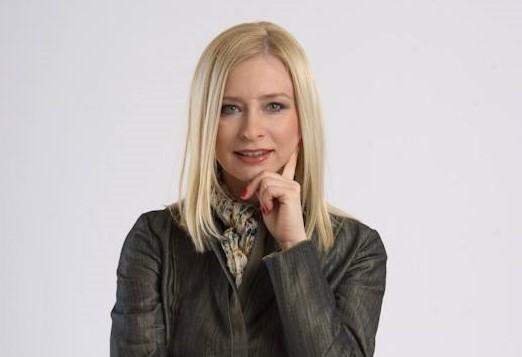 O Wioletcie Czemiel – Grzybowskiej mówi się w Bełchatowie, że musiała przyjść do koncernu z szerokimi, nieformalnymi upoważnieniami do zmian kadrowych, bo zaczęła je jeszcze jako pełniąca obowiązki prezesa