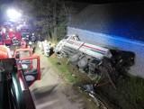 Tragiczny wypadek w Niegardowie koło Proszowic. 20-letnia pasażerka osobówki walczy o życie w krakowskim szpitalu 26 10