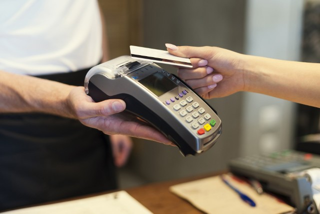 Do tej pory w Polsce można było dokonywać płatności bez podawania kodu PIN przy transakcjach nie przekraczających 50 zł.