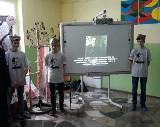 Chodeccy uczniowie uczcili Żołnierzy Wyklętych [zdjęcia]
