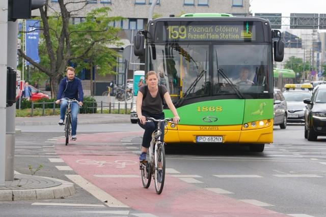 Policja twierdzi, że przewożony w autobusie rower może stanowić zagrożenie. To również problem dla kierowców