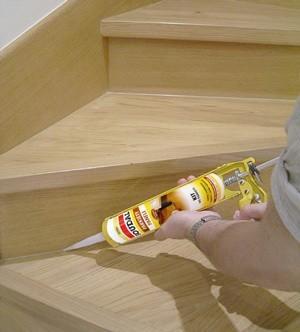 """Dzięki odpowiednim produktom można """"odświeżyć"""" wygląd drewnianej podłogi."""