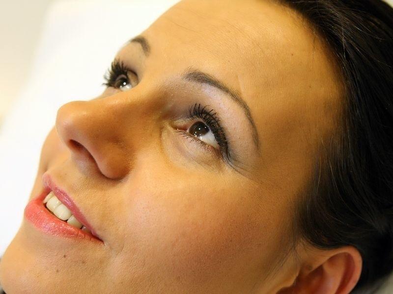 W makijażu kładziemy nacisk albo na oczy, albo na usta.