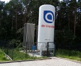 Nowy zbiornik na ciekły tlen medycznyna terenie Wojewódzkiego Szpitala Specjalistycznego imienia Świętego Rafała w Czerwonej Górze