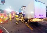Śmiertelny wypadek na DK1. Kierowca zginął w zmiażdżonej kabinie, gdy zderzył się z ciężarówką. Trasa zablokowana