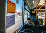 Koronawirus. Gdańsk przygotowuje oznaczenia na miejsca w autobusach i tramwajach. Kartę Mieszkańca można wyrobić zdalnie [zdjęcia]