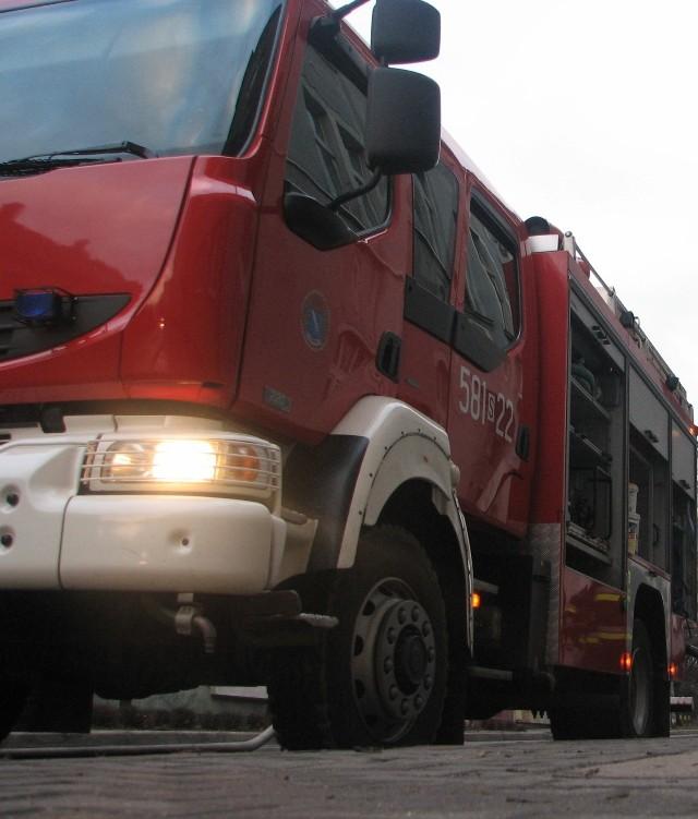 Rybnik: pożar w domu przy Powstańców Śląskich. 19-latek w szpitalu