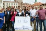 PO się chwali. Prawie 54 tysięcy podpisów pod kandydaturą Rafała Trzaskowskiego