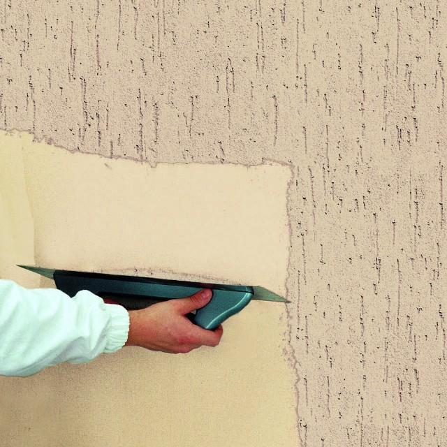 Nakładanie tynku cienkowarstwowegoTynki cienkowarstwowe - ich krótka charakterystyka. Który rodzaj tynku do jakich warunków?