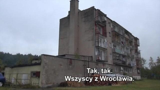 Tutaj zamieszkali wrocławianie, których przeniesiono do miejscowości Potok.