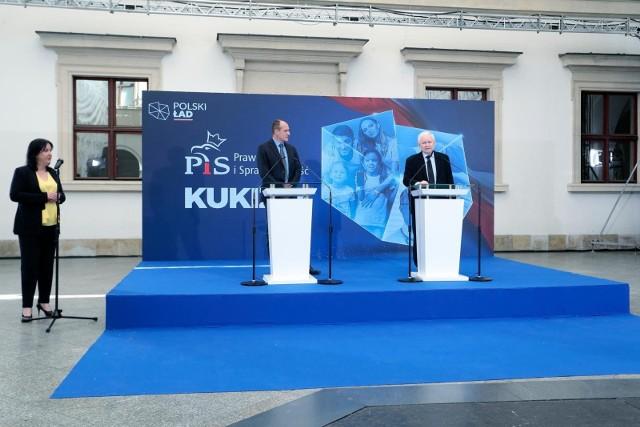 - Zagłosowałem na Lidię Staroń, bo prosił o to Jarosław Kaczyński, to jest przedmiotem umowy- tłumaczył Kukiz.
