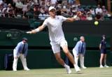 Hubert Hurkacz pokonał Aleksandra Bublika w III rundzie Wimbledonu. W przerwie meczu Polak poczęstował rywala bananem