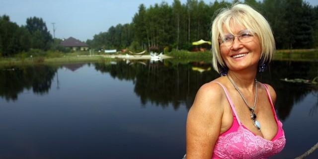 Danuta Myłek z pasją pielęgnuje własny ogród, ma spory warzywniak, w prywatnym jeziorze hoduje ryby, a w jej  kuchni jest miejsce tylko na zdrowe i naturalne produkty.