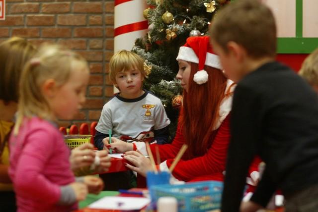 Najwięcej zarabiają przed świętami Mikołajowie