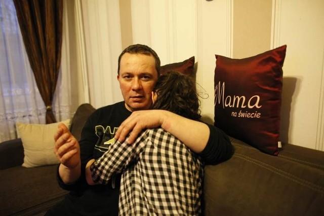 - Ten chłopak tak mocno uderzył Kasię, że córka trafiła do szpitala, bo miała problemy ze wzrokiem - mówi Andrzej Szczerbicki. - Wtedy na szczęście skończyło się na strachu, ale sam problem się nie skończył. A co, jeśli dojdzie do tragedii?