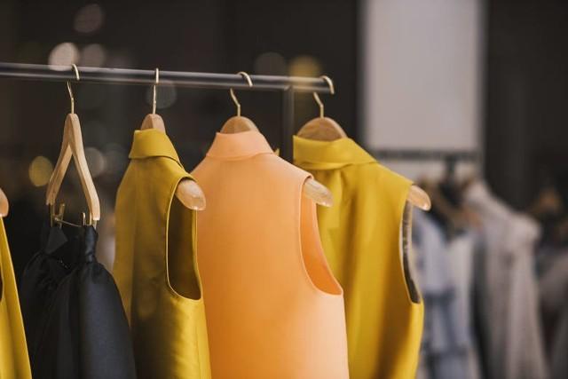 Znane marki znikają ze sklepów. Zara, Bershka, Stradivarius, Reserved - czy już nie kupimy tam ubrań?