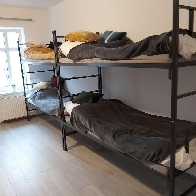 Takie łóżka za darmo przekazała bydgoska firma dzieciom z domu dziecka, instytucjom, pomagającym biednym i bezdomnym. Strażacy także je otrzymali