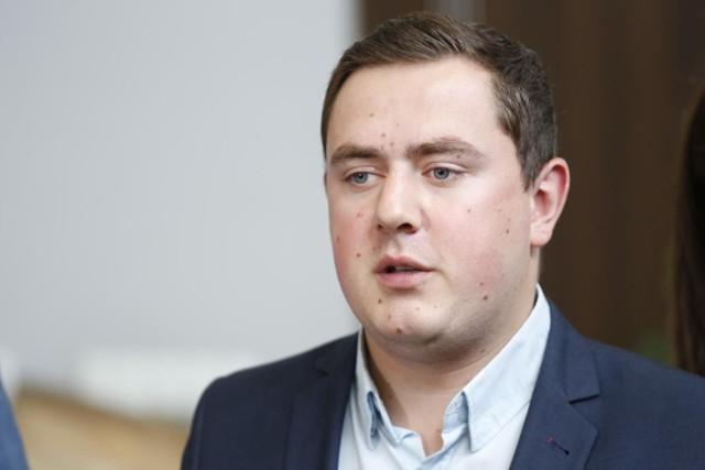 - Wyłącznie polski parlament ma prawo do tego, żeby stanowić cokolwiek w tej sprawie – ocenił rzecznik PSL-Koalicji Polskiej
