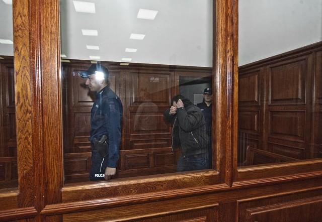 To archiwalna fotografia z pierwszego procesu Marka K. W grudniu 2018 roku oskarżony został skazany na 25 lat więzienia. W piątek sąd posłał go za kraty na dożywocie. Oskarżonego przy odczytaniu wyroku nie było.
