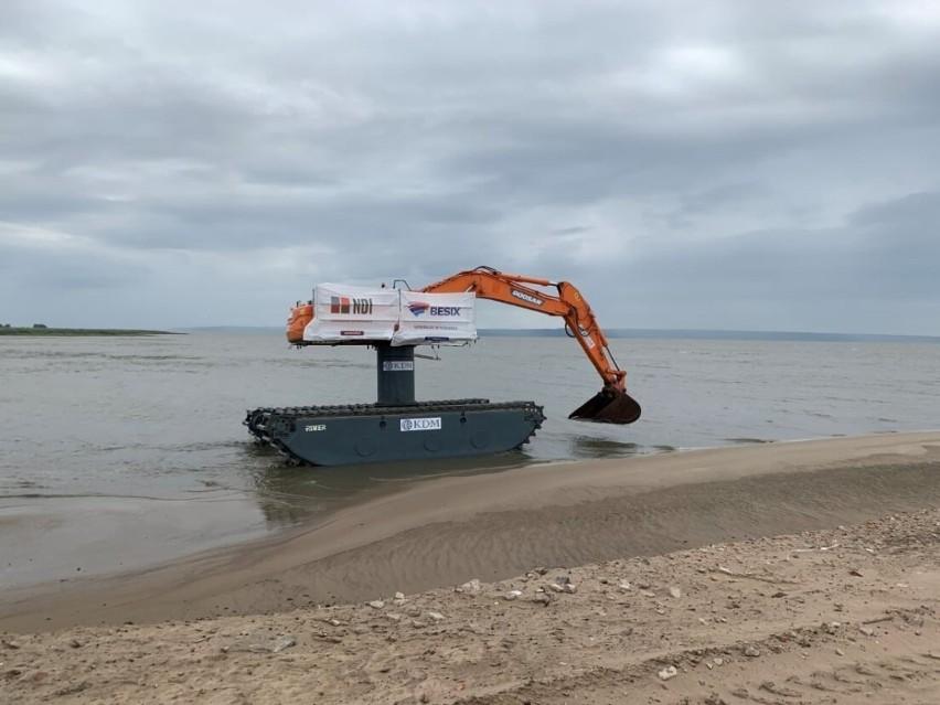Specjalistyczne maszyny ściągnięte do budowy sztucznej wyspy...