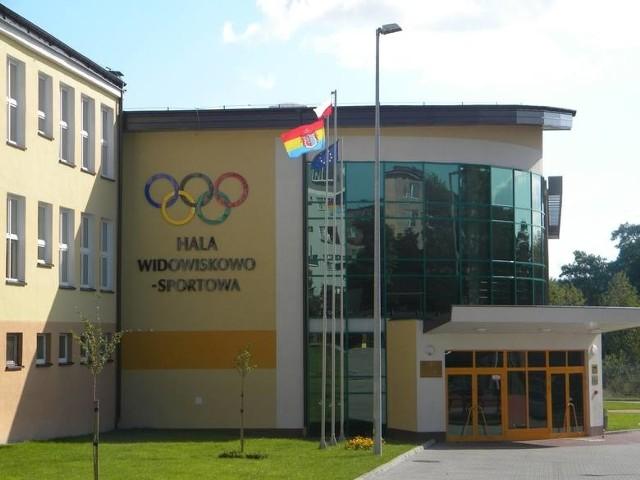 Hala Widowiskowo-Sportowa w Siemiatyczach. Tu od 19 kwietnia wystartuje pierwszy w regionie Punkt Szczepień Powszechnych.
