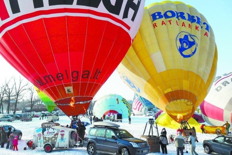 Jeżeli w weekend wiatr będzie wiał z północy lub wschodu, jest szansa, że balony, które wystartują z palcu Jana Pawła II wylądują na jeziorze Ełckim.