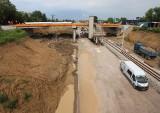 Trwa budowa trasy linii kolejowej numer 8 i wiaduktu na ulicy Kozienickiej w Radomiu. Zobacz zdjęcia