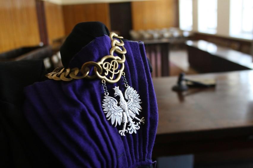 """Piotrkowski sędzia mówił do prawników """"ty debilu"""""""