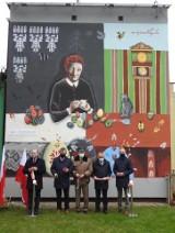 W Lipsku nad Biebrzą odsłonięto drugi mural. Malowidło przedstawia pisankarkę Kazimierę Wnukowską