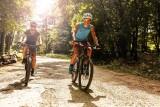 Kręcą kilometry na rowerze, walcząc ze smogiem. W ramach kampanii miasta dostaną czujki smogu