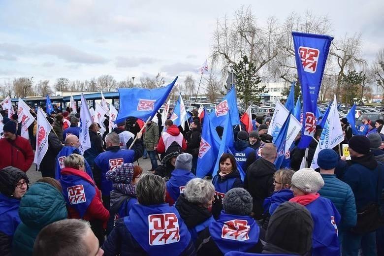 Pracownicy International Paper Kwidzyn żądają podwyżki płac