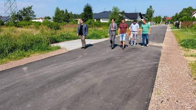 Ostatnio w gminie Kozienice oddano do użytku nowe drogi w Łuczynowie i Aleksandrówce.