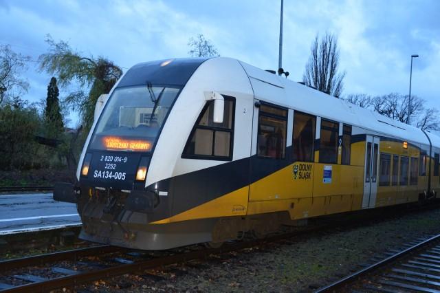 Bezpośrednie połączenia do Wrocławia ułatwiłoby życie mieszkańcom Jasienia.