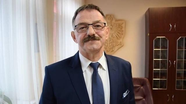 Starosta Sławomir Śmieciuch zapowiada kolejne inwestycje drogowe na terenie powiatu. Władze powiatu będą w tej sprawie współpracować z poszczególnymi gminami.