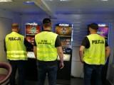 W Sandomierzu policjanci przejęli gotówkę i automaty do gier