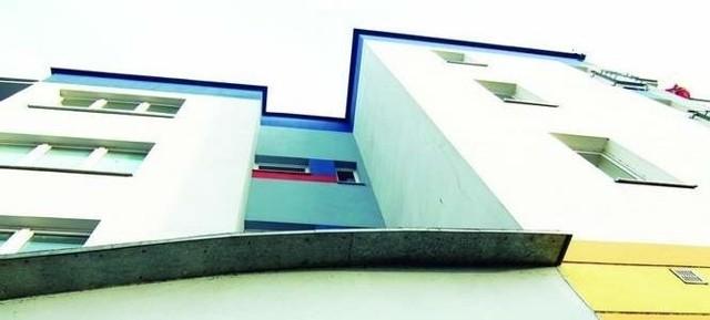 MieszkaniaProcedura wykupu może być uruchomiona, jeżeli mieszkanie zakładowe nie jest zadłużone.