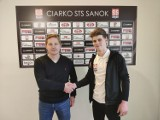 Polska Hokej Liga. Utalentowany napastnik, Jakub Bukowski, podpisał nowy kontrakt z Ciarko STS-em Sanok. Na dwa lata
