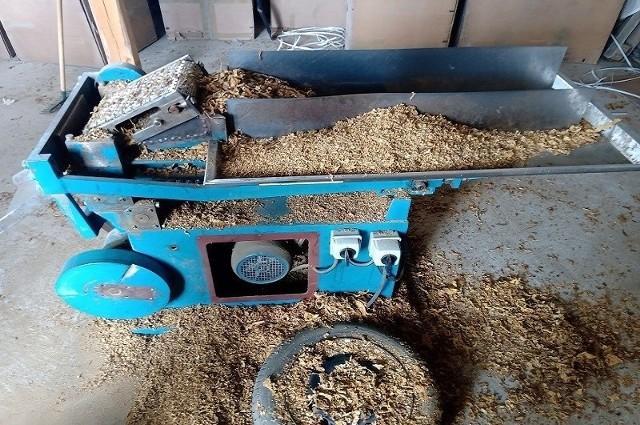 W gminie Kamieńsk zlikwidowano nielegalną fabrykę tytoniu