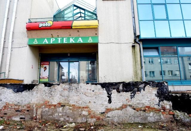 Wiele uwag co do stanu technicznego galerii Pod Topolami w Zielonej Grze mają okoliczni mieszkańcy
