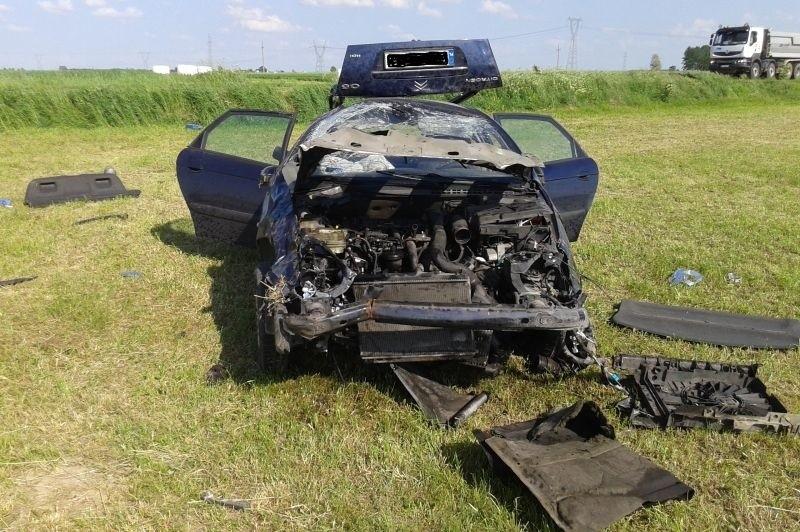 Klukowo. Wypadek citroena. Kierowca wypadł podczas dachowania (zdjęcia)