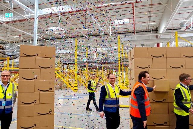 Centrum Logistyki E-Commerce w Okmianach zostało oficjalnie otwarte. Budowano je 10 miesięcy prac oraz potem był etap rozruchu.